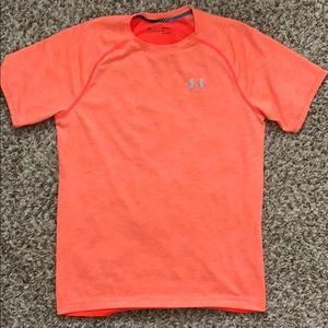 Men's UA fitted tee